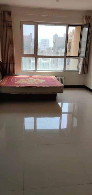 (松山区)皇 家丽景2室2厅1卫80m²简单装修